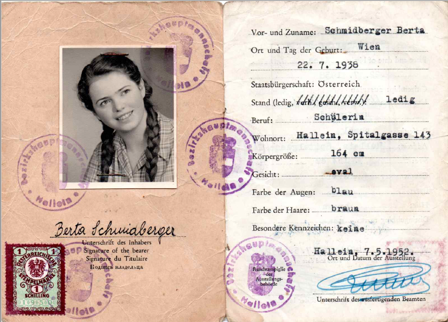 Identity Card of Berta Schmidberger<br>Photo: private collection
