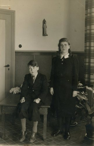 The children of Angela & Franz Weil, Herbert and Lore in the year of 1939<br>Foto: Peter F. Bolwell
