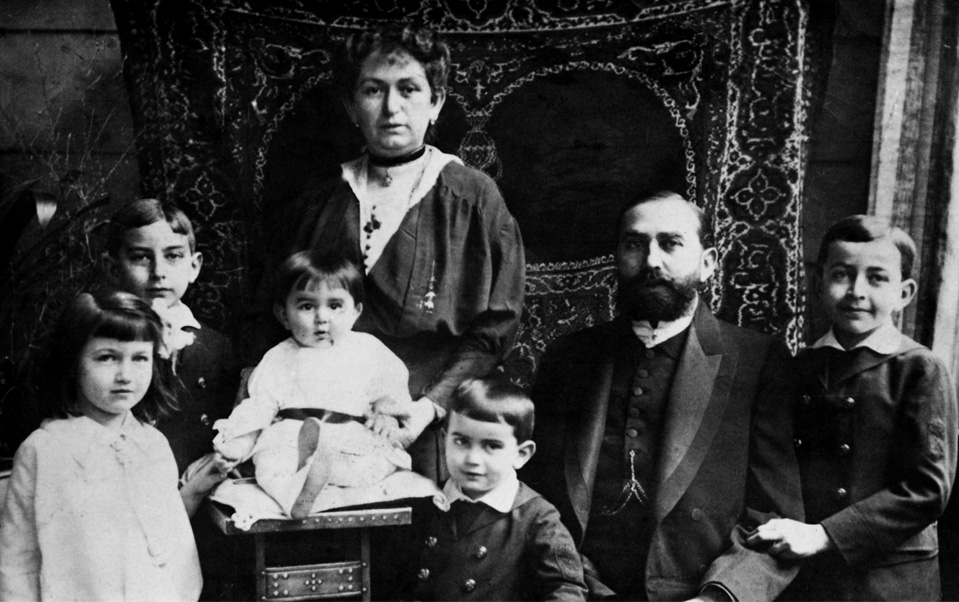 Adolf & Malvine Altmann with their children Alexander, Hilda, Erwin, Manfred and Edith<br>Photo: Private archive of Manfred Altmann, London