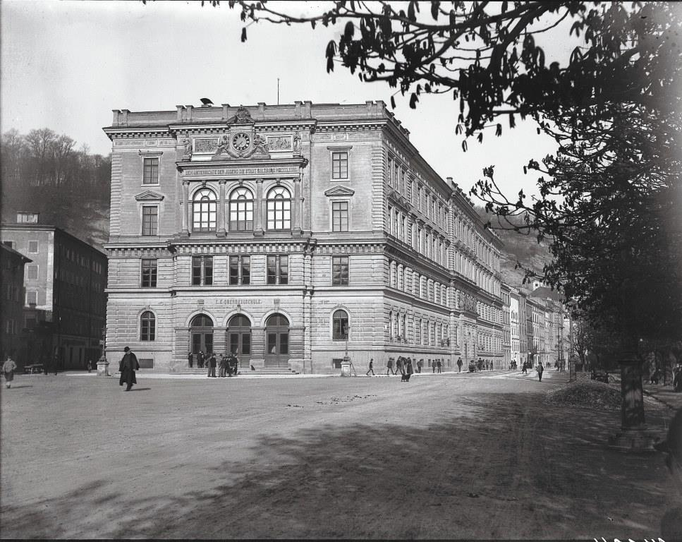 The Gries School, Residence & Workplace of Karl Rinnerthaler<br>Photo: Stadtarchiv