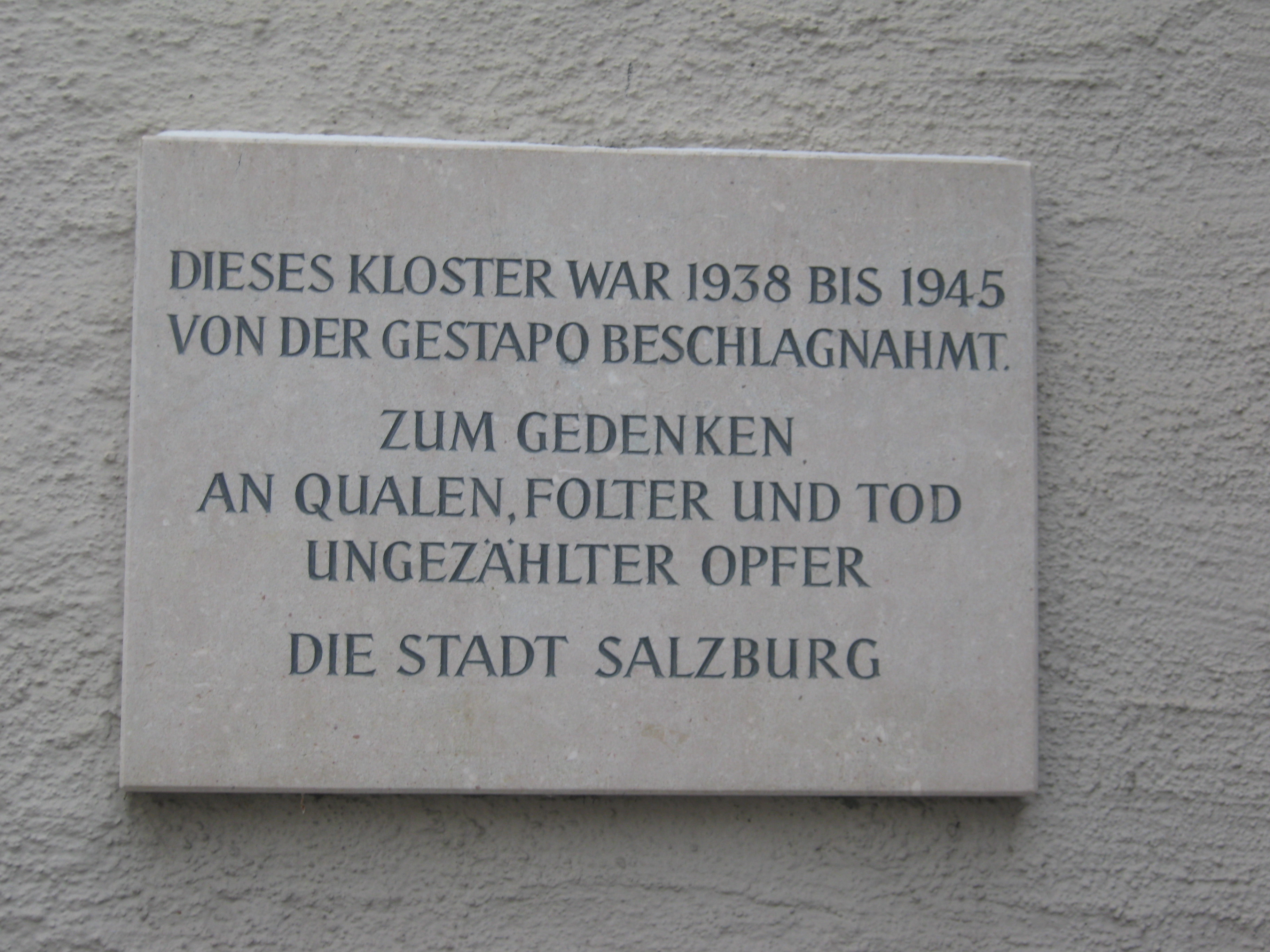 Memorial for the victims of the Gestapo at the Franciscan Cloister<br>Photo: Andrea Loidl