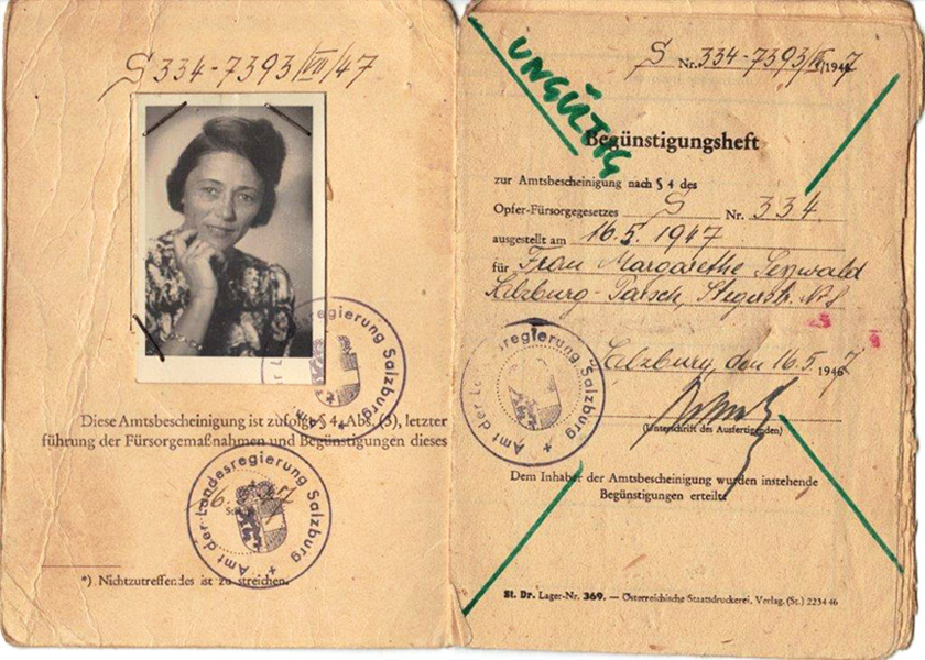 Victim ID card of widow Margarethe Seywald<br>Photo: Private archive