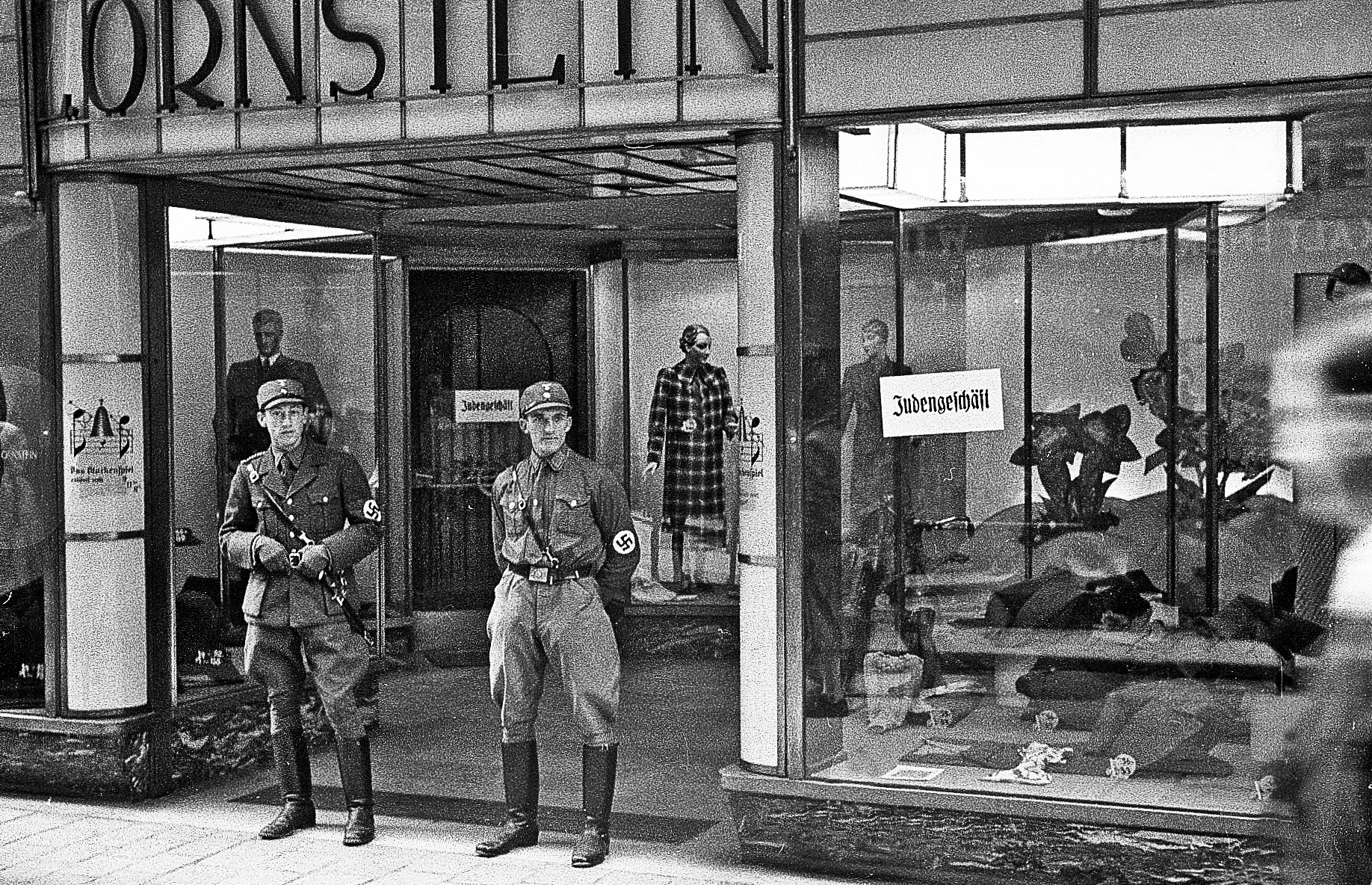 L. Ornstein clothing store, 1938<br>Photo: Salzburg City archives, Photo archive Franz Krieger
